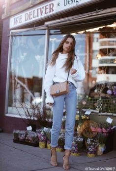 杏/浅卡其色的鞋包同色法则,粗棒针白毛衣+牛仔裤的经典搭配