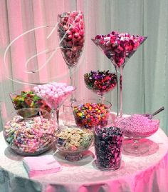 Ideas for the sweet table Candy Buffet Tables, Dessert Buffet, Candy Table, Dessert Bars, Pink Candy Buffet, Dessert Tables, Sweet Table Wedding, Wedding Sweets, Wedding Candy