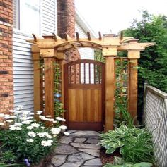 Secret entrance arbour and gate. A nice beefy design!