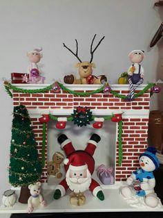 Christmas Cake Pops, Christmas Cake Decorations, Felt Christmas, Christmas Time, Christmas Crafts, Christmas Ornaments, Christmas Shadow Boxes, Christmas Gift Wrapping, Christmas Fireplace Mantels