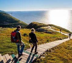 Le parc national du Canada Kouchibouguac est relativement peu connu des Canadiens, probablement en raison de son nom difficile à prononcer ! Situé sur la côte est du Nouveau-Brunswick à Kouchibouguac, on y retrouve des dunes de sable, des îles barrières, des marais salés, des forêts et bien plus encore. Ces écosystèmes hébergent un grand […]