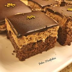 Practical Age Cake - My Delicious Food - Cheesecake Recipes Cheesecake Brownie, Cheesecake Recipes, Köstliche Desserts, Delicious Desserts, Yummy Food, Easy Easter Recipes, Herb Roasted Turkey, Pumpkin Cake Recipes, Peanut Butter Chips