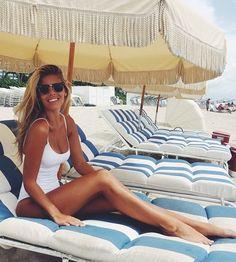 A beach scrub ON a day bed, you say? #cantseewhynot #wouldscrub