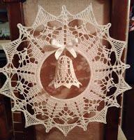 Krásné bydlení: 11 návodů na háčkované zvonky, které jsem sama vyzkoušela pro Vánoce 2018 Christmas Bells, Hanukkah, Crochet Patterns, Wreaths, Decor, Decoration, Decorating, Door Wreaths, Crochet Granny