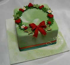 Adelaide based and specialising in exclusive home made cakes for all occasions: Weddings, Engagements, Birthdays etc. Christmas Cake Designs, Christmas Cake Decorations, Christmas Cupcakes, Holiday Cakes, Christmas Desserts, Christmas Treats, Christmas Baking, Pretty Cakes, Beautiful Cakes