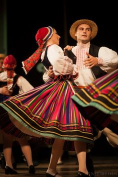 Folk dances and costumes from Podlasie region (where my dad's family comes from) Young Frankenstein, Polish Folk Art, Folk Clothing, Folk Dance, Ethnic Outfits, Legging, My Heritage, Folk Costume, Polish Girls