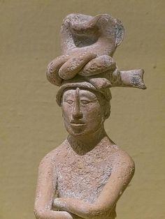 Closeup of Standing Male Figure Maya CE Ceramic Portland Art Museum Mayan History, Art History, Maya Civilization, Hispanic Culture, Art Premier, Art Sculpture, Mesoamerican, Inca, Male Figure