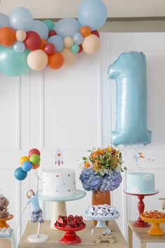 Boys First Birthday Party Ideas, Baby Birthday Cakes, 1st Boy Birthday, Simple Birthday Decorations, Festa Party, Baby Party, First Birthdays, Party Time, Kids Bday Party Ideas