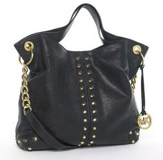 Black Purse and Handbags Blog. This bag is right up my alley!! Totally stylish & would go with all the clothes i love to wear atm :)