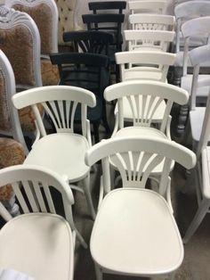 Eetkamerstoelen, caféstoelen, houten stoelen bij Oud is Nieuw.