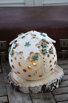 """Keramik - :::: Getöpferte Teelichtkugel """" Winterlicht """" :::: - ein Designerstück von BlumereiBerger bei DaWanda"""