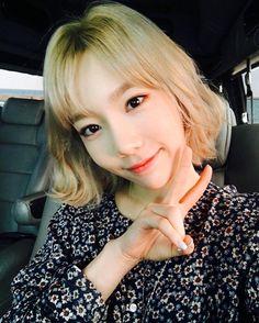 Taeyeon's selca💕 She looks so pretty >< 1 Girl, First Girl, Taeyeon Short Hair, South Korean Girls, Korean Girl Groups, Girls' Generation Tts, Kim Tae Yeon, Celebs, Celebrities