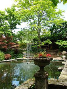 Sunken Gardens, Hursley, England--could be pool and spa and spray Sunken Garden, Garden Pool, Garden Landscaping, Shade Garden, Fountain Garden, Formal Gardens, Outdoor Gardens, Gazebos, Gardens Of The World