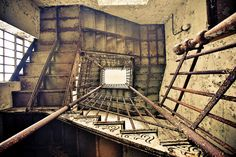 Gallery of These Images of Abandoned Insane Asylums Show Architecture That Was Designed to Heal - 39