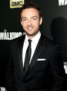 Ross Marquand attends AMC's 'The Walking Dead' Season 6 Fan Premiere Event at Madison Square Garden on October 2015 Walking Dead Season 6, The Walking Dead, Ross Marquand, Norman Reedus, My Boyfriend, Gorgeous Men, Actors & Actresses, Suit Jacket, Handsome