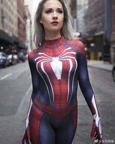 To celebrate the new Spidey film here is some Spiderman themed cosplay. Spiderman Cosplay, Female Spiderman, Spider Gwen Cosplay, Superhero Cosplay, Marvel Cosplay, Spider Girl Costume, Marvel Girls, Comics Girls, Amazing Cosplay