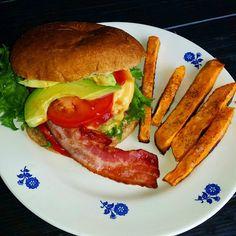 Edel's Mat & Vin : HYTTEBURGER med bacon & cheddar !