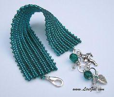 Interesting herringbone with two different beads sizes.(Emerald Green Herringbone bracelet)