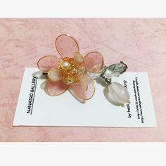 【nanairo_gallery】さんのInstagramをピンしています。 《桜ブローチ🌿 透け感のあるピンクの花びらが可愛く仕上がりました✨ 見ているとほっと優しい気持ちになります🌸  インスタからの御注文 送料込み¥1500  #cherryblossom#桜#ブローチ#brooch#Flower#Spring#花#春#ピンク#pink#ハンドメイドアクセサリー#アクセサリー#handmade#handmadeaccessory》
