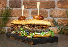 T Bone Steak, Mayonnaise, Dry Aged Beef, Pulled Pork, Hamburger, Sandwiches, Ethnic Recipes, Food, Gourmet