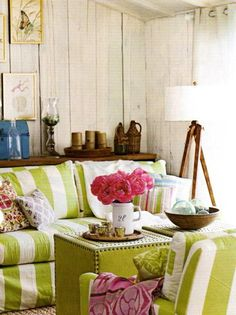 Love the pop of bright green...those could be such a fabulous coffee table/accent piece!  Plus the fuscia peonies, of course.