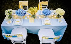 Baby blue and Yellow Wedding Decor. Baby Shower Yellow, Baby Shower Flowers, Baby Shower Table, Boy Baby Shower Themes, Baby Yellow, Baby Shower Parties, Baby Boy Shower, Blue Yellow Weddings, Baby Blue Weddings