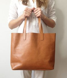 MIVO Medium Light Brown Tote in pelle vacchetta tote di MISOUI