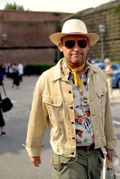 d41a4e9fd7e The Best Street Style From Pitti Uomo s Spring 2019 Menswear Shows in  Florence Street Style Trends