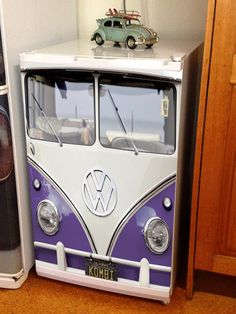 VW Split-Window Fridge Bar Graphic