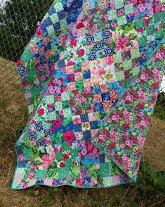 Cloudy days are for taking quilt pics, so here you go! I finished this right about the time the sun here started burning up the sky for…