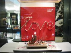 Valentine's window displays에 대한 이미지 검색결과