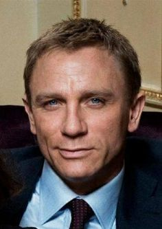 Daniel is not known for smiling in his current bond role but this is disarming