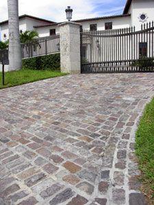 New cobblestone patio pavers Ideas Cobbled Driveway, Driveway Paving, Driveway Design, Paver Walkway, Driveway Entrance, Driveway Landscaping, Concrete Driveways, Brick Pavers, Patio Design
