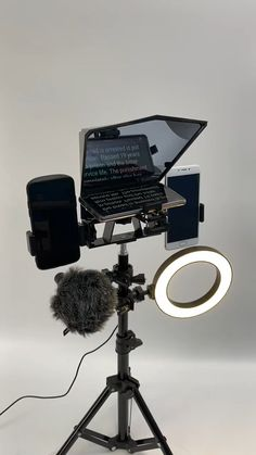 DESIGNED FOR VIDEO-MARKETING Feel the freedom not to depend on third parties! Record at your own pace company videos, Marketing videos, product videos, SEO videos, etc. Transform your smartphone into a professional, lightweight, and mobile teleprompter. With easy-to-read text displayed on a quality beam splitter glass screen, your video productions will always be professional. #Tech #Techie #Technology #Pinterest #Trending #Gadgets Smartphone Holder, Best Smartphone, Google Pixel Wallpaper, Wellness Studio, Marketing Videos, Recording Studio Home, Video Studio, Video Lighting, Photography Accessories