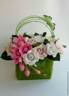 Candy Flowers, Crepe Paper Flowers, Paper Flower Backdrop, Faux Flowers, Diy Flowers, Flower Decorations, Beautiful Handmade Cards, Handmade Flowers, Beautiful Flower Arrangements