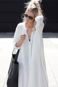 Outfit: white long dress | MyDubio