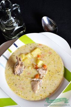 Reteta Ciorba de pui cu tarhon.Preparare Ciorba de pui cu tarhon.Ciorbe ardelenesti.Ciorbe cu smantana. Ciorba de pui Soup Recipes, Cooking Recipes, Romanian Food, Romanian Recipes, Soups And Stews, Cheeseburger Chowder, Hummus, Ethnic Recipes, Central Europe