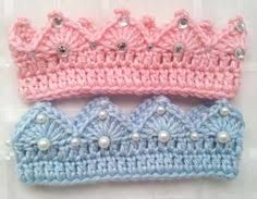 Crochet Prince or Princess Baby Crown with Jewels or Pearls And Optional Matching Cape and Bottoms Set - diademas Crochet Baby Clothes, Crochet Baby Hats, Crochet For Kids, Baby Knitting, Free Crochet, Crochet Princess, Baby Princess, Gilet Crochet, Knit Crochet