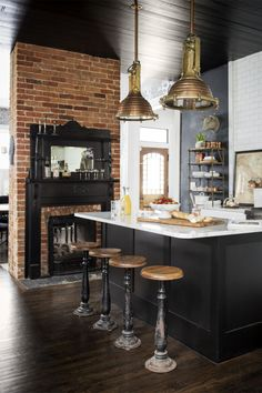 Black Kitchens Are The New White Kitchens