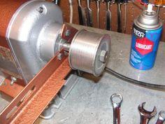 DIY Belt grinder attachment for your bench grinder -- Diy Belt Sander, Diy Belts, Belt Grinder, Shop Class, Belt Drive, Cardboard Furniture, Metal Fabrication, Diy Tools, Metal Wall Art