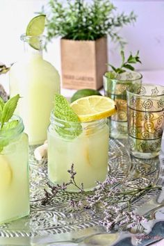 Between Tea and Coffee: Limonada Suíça. Cocktails, Non Alcoholic Drinks, Fun Drinks, Yummy Drinks, Yummy Food, Beverages, Best Cooker, Salsa Dulce, Mint Lemonade