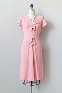 vintage 1940s pink rayon dress with bows