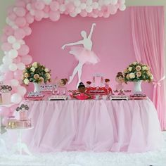 Want to learn how to decorate ballerina party and let your celebration even more beautiful and delicate? Then check out our tips and get inspired with lots of photos Girl Birthday Decorations, Girl Baby Shower Decorations, Birthday Party Themes, Decoration Buffet, Ballerina Birthday Parties, Baby Shower Balloons, Backdrops For Parties, Princess Party, Celebration
