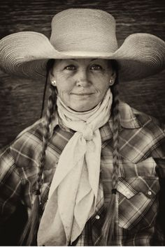 Sheila Carlson cowboys for Kit Metzger of the Flying M Ranch in Coconino County. She has previously cowboyed in Oregon and other Western states. Photo By Scott Baxter Portraits of Permanence | American Cowboy