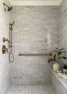 Minimalist Christmas Decor, Best Bathroom Tiles, Master Shower Tile, Big Shower, Master Bathroom, Best Bathroom Flooring, Tiles For Bathrooms, Bathroom Tile Colors, Grey Tile Shower