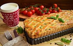 Tartă sărată cu brânză și baby spanac Baby Food Recipes, Cooking Recipes, Healthy Recipes, Quiche, Romanian Food, Pizza, Bakery, Deserts, Food And Drink