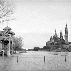 El Ebro y el Pilar al fondo, todavía sin todas sus torres