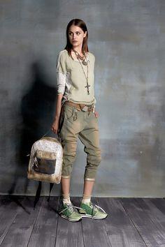 #danieladallavalle #collection #ss16 #elisacavaletti #tshirt #trousers #belt #beltloop #loop #necklace #socks #sneakers #backpack #jewellery #green #beige #white #fantasy #leather