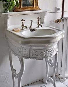 Beautiful antique sink and mount