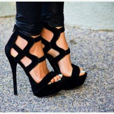 Black sandals. #high #heeled #shoes